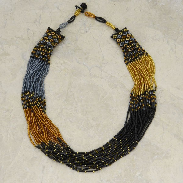 "Halskette ""Drape & Bugle Beads"""