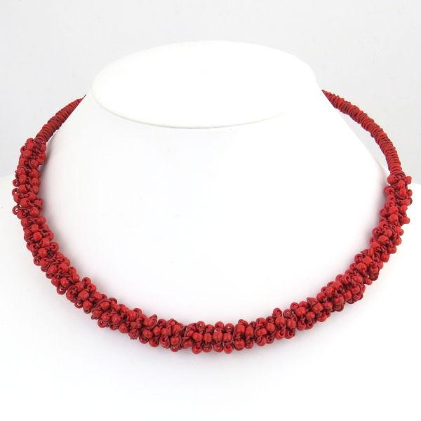 "Halskette ""Chunky choker with scoobie and glass beads"""